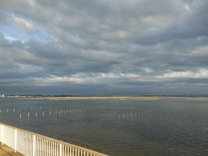 湖のさざ波に癒される!全室レイクビューの爽快な景色