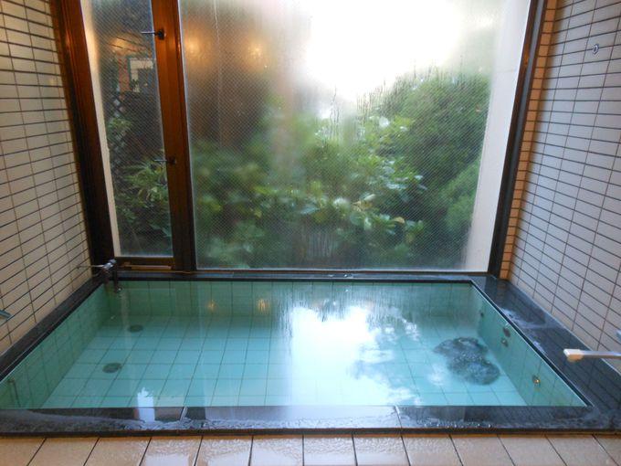 食事の前に、ひと風呂いかが?温泉に負けず劣らずの温まりの湯