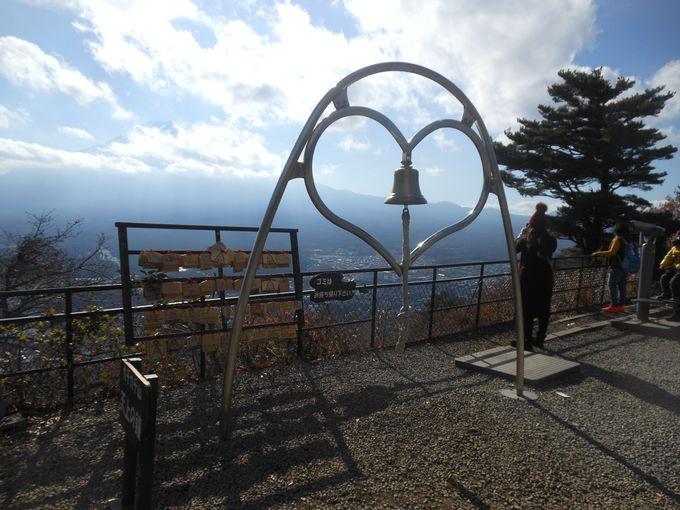 富士山を仰ぎながら願掛け祈願!パワスポ処も点在