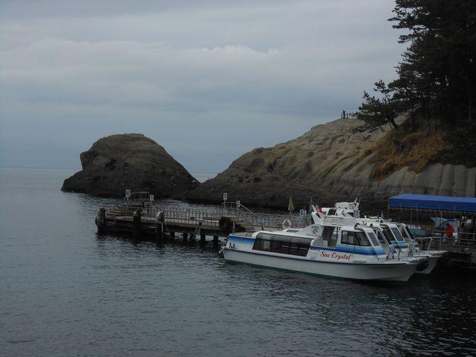 浦島太郎の気分が味わえる!亀の甲羅に乗れる気軽な見所「亀岩」