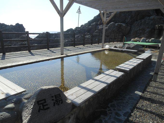 雄大な太平洋を望む!神殿風のオブジェが目印の「湯の浜露天温泉」