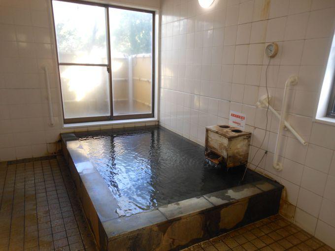全身で体感!外せない島の名物風呂「まました温泉」の砂むし風呂