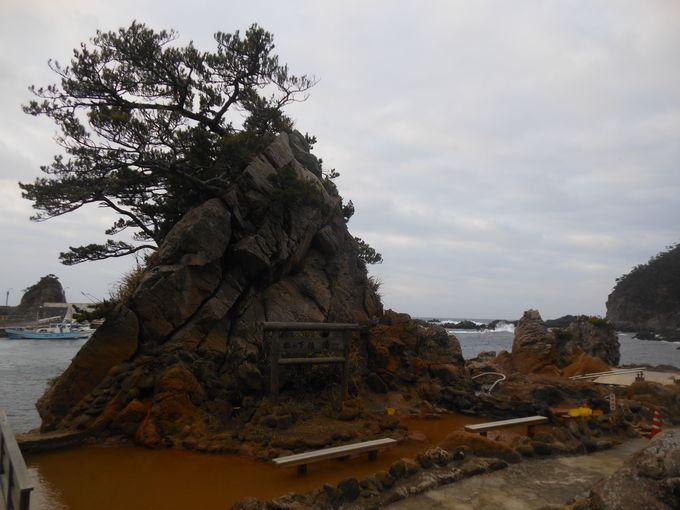 島自慢の美しい海岸線&海を眺めながら露天風呂三昧!式根島の露天風呂