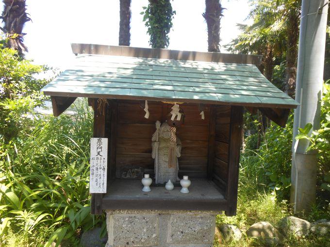 白く美しいパゴタ塔にプラスアルファ!10分で巡れる七福神巡り