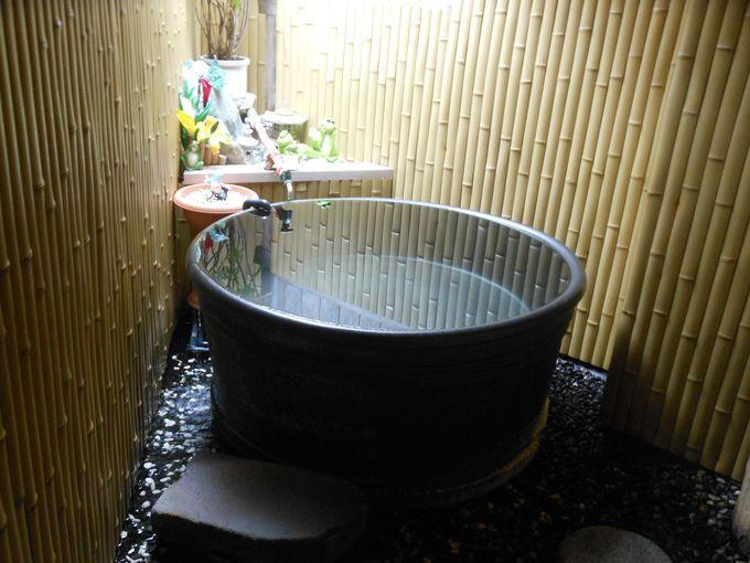 やっぱり人気!情緒が香る小粋な陶器風呂「ひなの湯」
