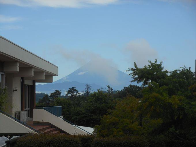 富士山を望みながら入れる!アッパレな絶景風呂「富士見遊湯」