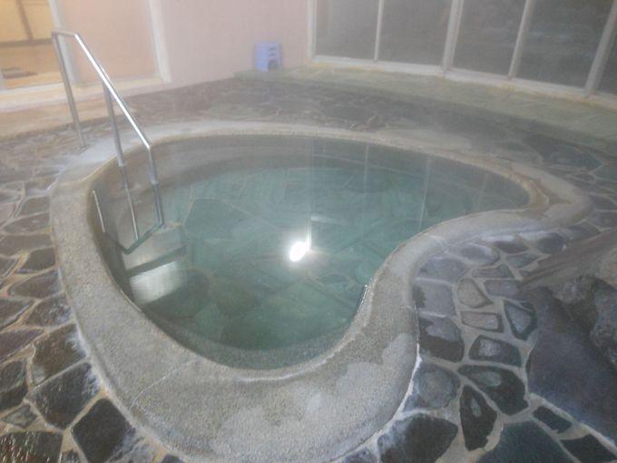 滞在中いつでも入れる!嬉しいかけ流しの天然温泉