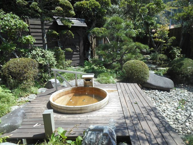 季節の移ろいを体感できる!魅力的な庭風呂