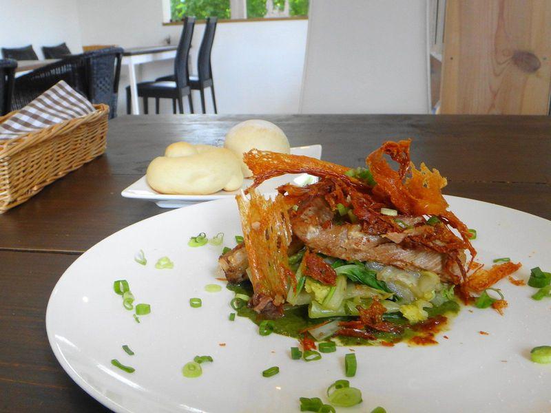 沖縄料理の常識を打ち破る!?おすすめ沖縄創作料理カフェ3選と穴場絶景スポット!