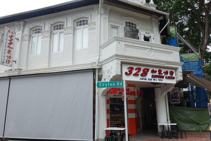 ローカルフードの中でも一番の有名店「328 Katong Laksa」