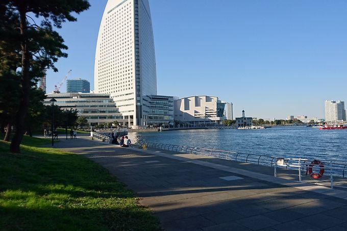 逃げ恥 第4話:やっさんと話していた水辺の公園【カップヌードルミュージアムパーク】