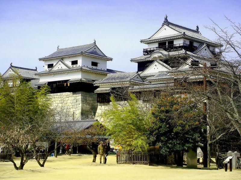 発見!松山城はお子様にとって巨大ジャングルジムだった!