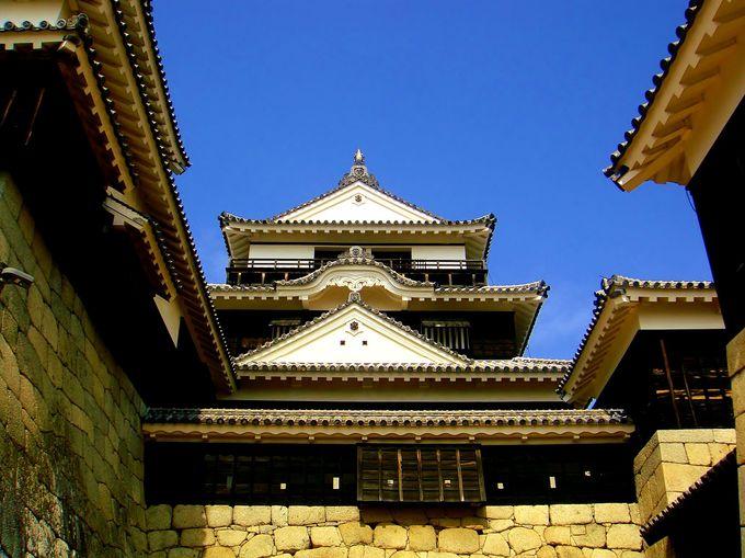 4.華麗なる大天守!日本三大平山城「松山城」