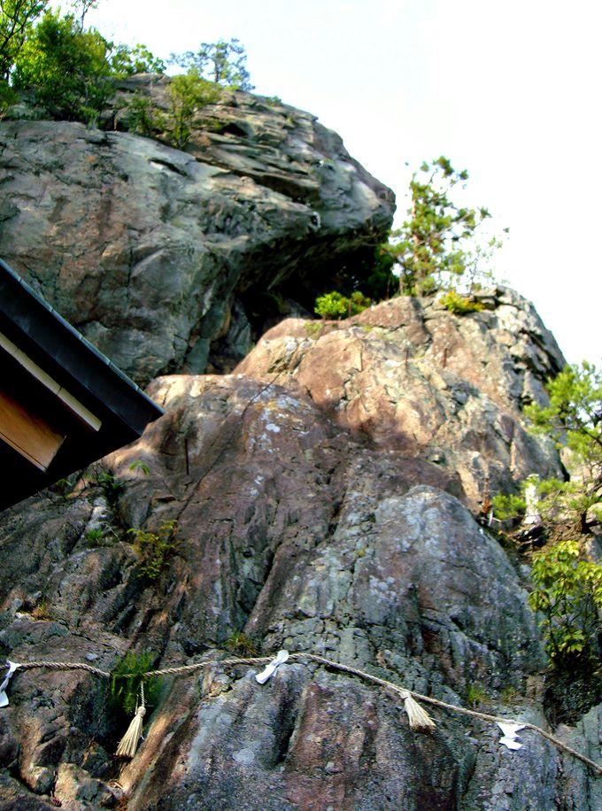 太郎坊が住むといわれる奇岩!「夫婦岩」と天狗「太郎坊」が意味する謎とは!?