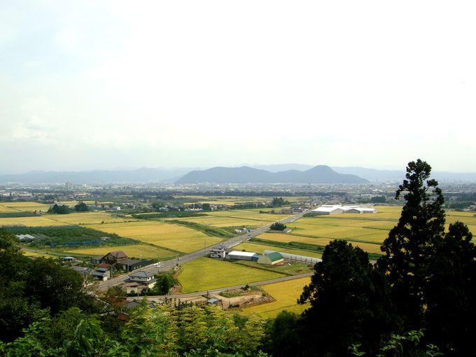 初日の出はここで拝もう!かつて湖(ウミ)だったと言われる福島盆地を一望