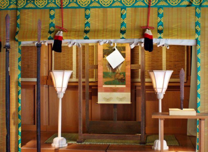 御仮殿(移殿)の御参拝では「六面の御神鏡」を目にする事が出来る!
