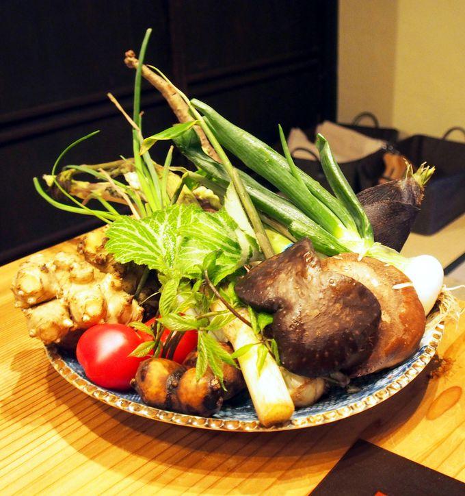 本当の意味で美味しい&食事が楽しい!夕食は、五條野菜料理の名店「五條 源兵衛」へ