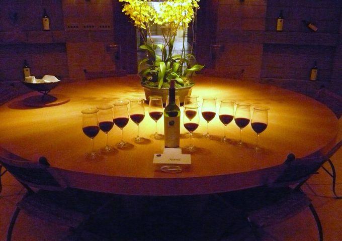 魅力ある地下のテイスティングルーム