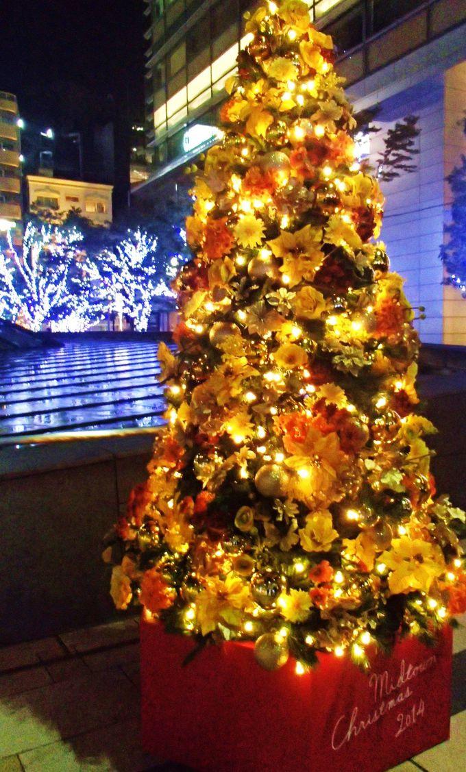 東京ミッドタウンの至る所にクリスマスツリーが!
