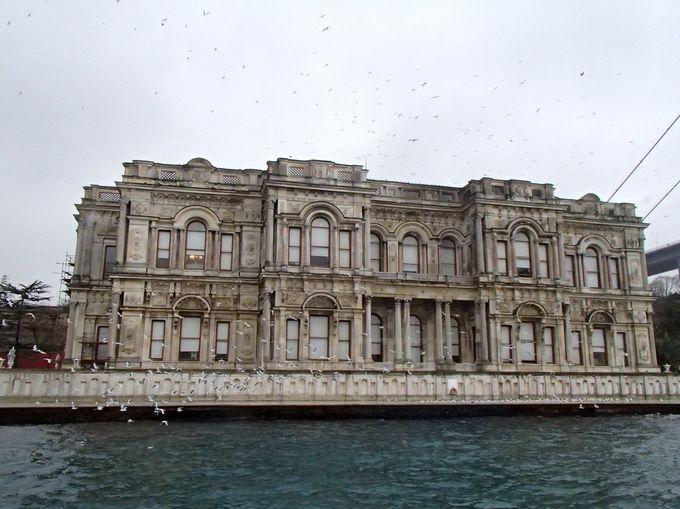 見どころ4:日本とも縁が深い「ベイレルベイ宮殿」
