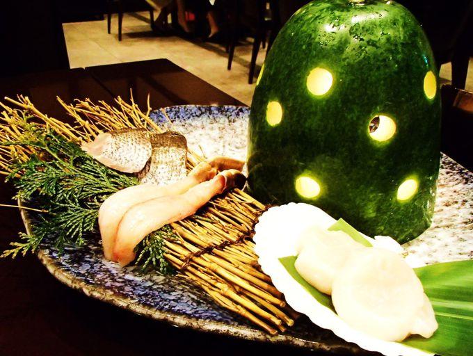 """""""ほたるの夕べ""""を庭園レストランで優雅に味わう"""
