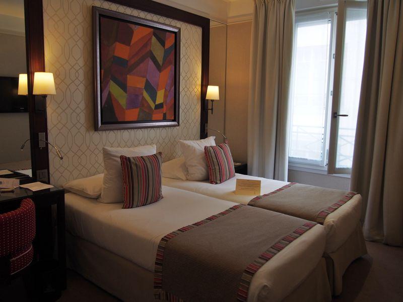 パリ・オペラ近く「フォークストン オペラ」は驚く安さ&快適で安心な三つ星ホテル