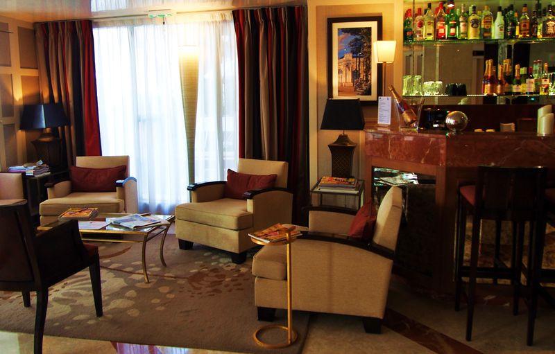 憧れのパリ コストパフォーマンスの良いおすすめホテル