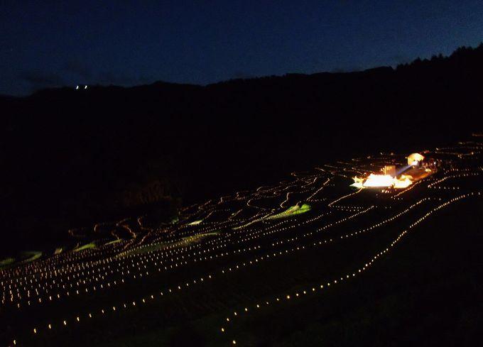 ライトアップ期間中、3日間だけ催される「棚田の夜祭り」