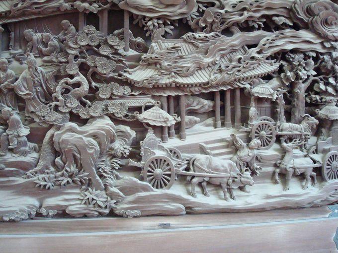 迫力の彫刻ギャラリー
