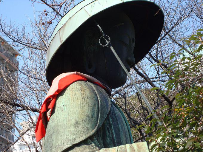 大きなお地蔵さまが目印 松平定信ゆかりの霊巖寺