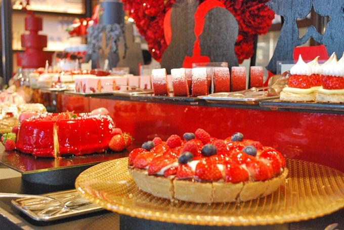 絶対食べたい!50種類の苺メニュー「セント レジス ホテル 大阪」のストロベリーブッフェ