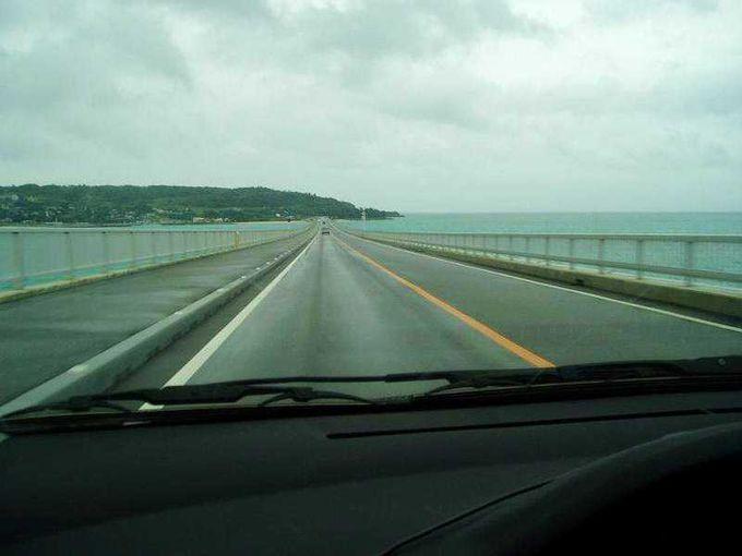 海上ドライブで、古宇利大橋を渡りましょう