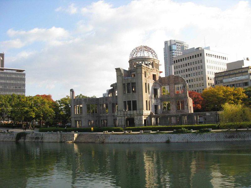 大人になった今こそ訪れてみたい「広島平和記念公園」で平和を願う