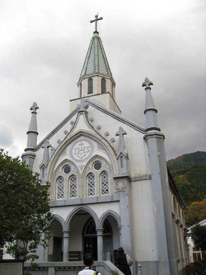 ゴシック調の美しい「津和野カトリック教会」