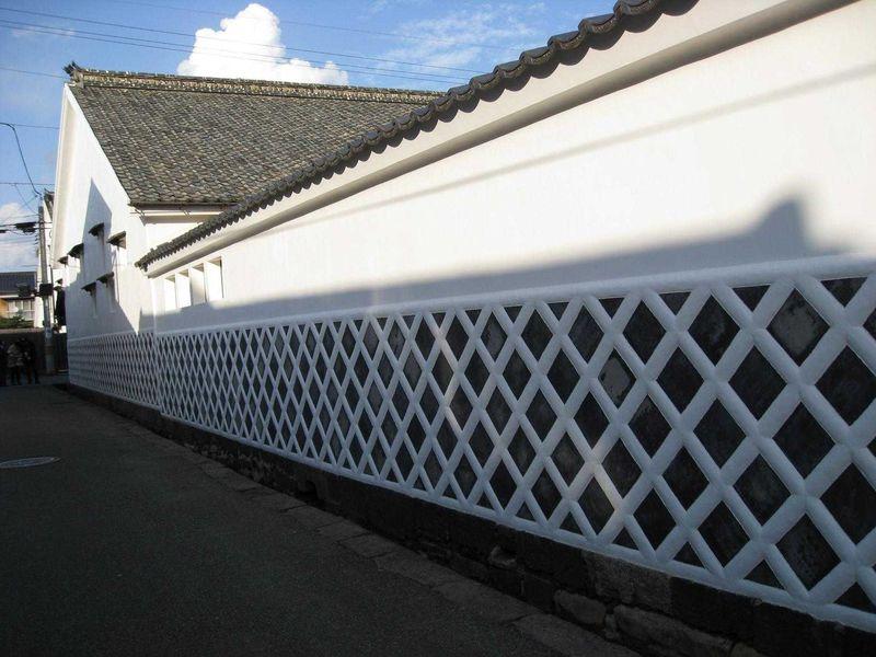 萩の城下町で武家屋敷散歩 白壁やなまこ壁も美しい菊屋家住宅へ