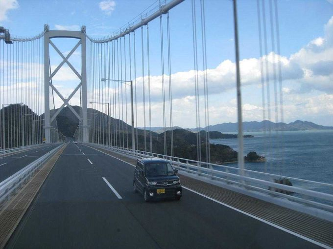 因島大橋を渡って
