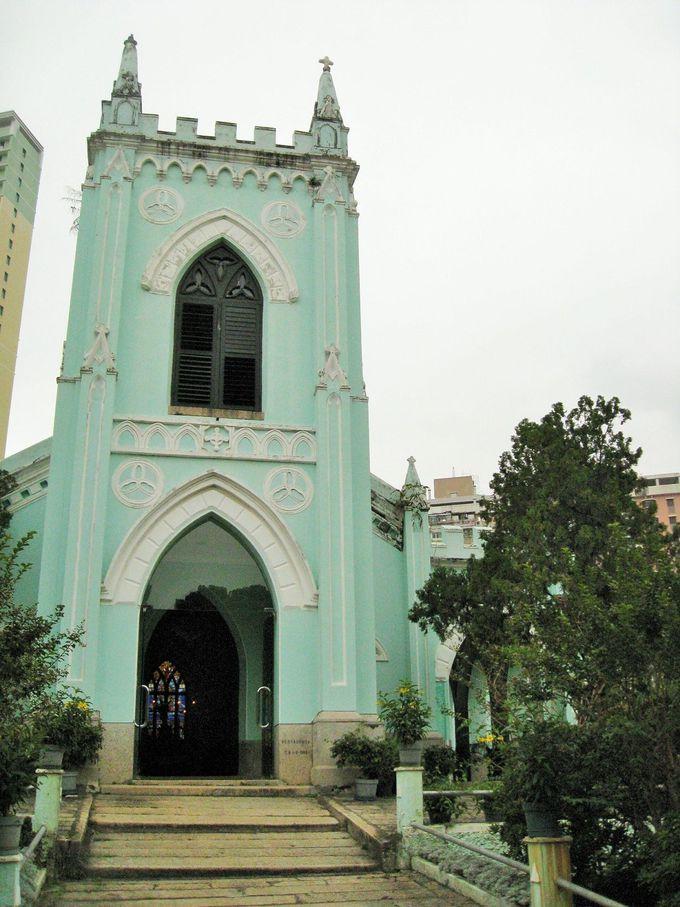 ミントグリーンの教会
