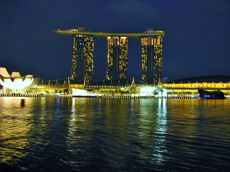 リバークルーズやシンガポールフライヤーでシンガポール夜景散歩!