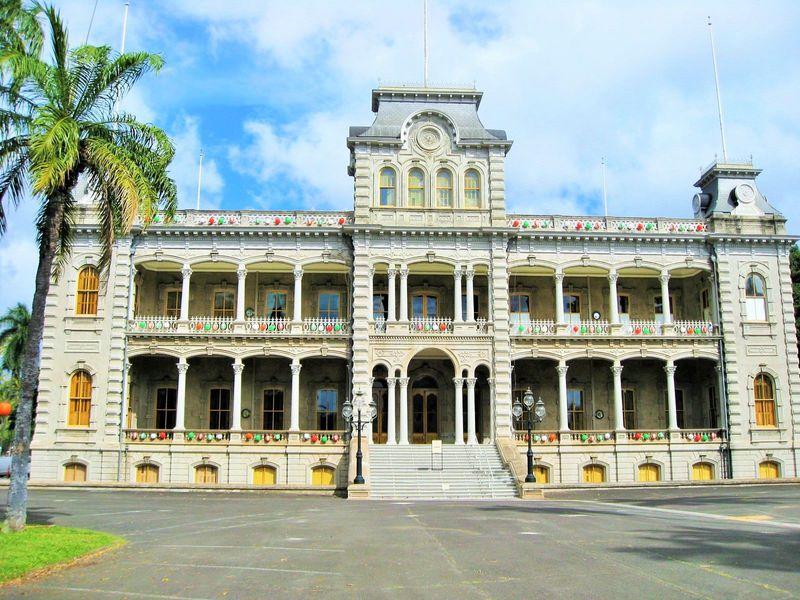 ハワイはリゾートだけじゃない「イオラニ宮殿」でハワイ王国の歴史を学ぼう!