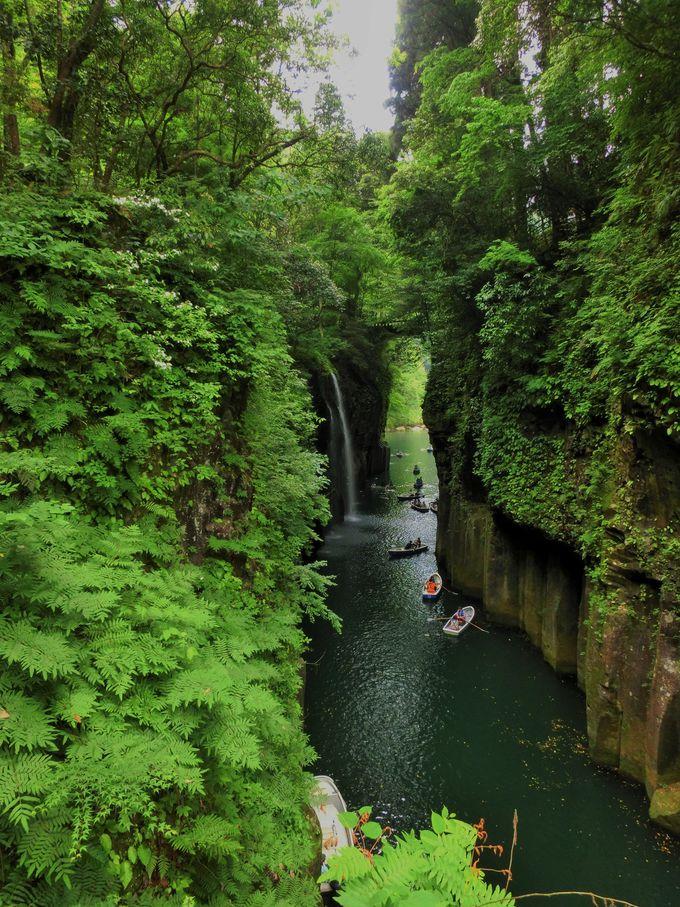 高千穂峡一番の人気スポット「真名井の滝」