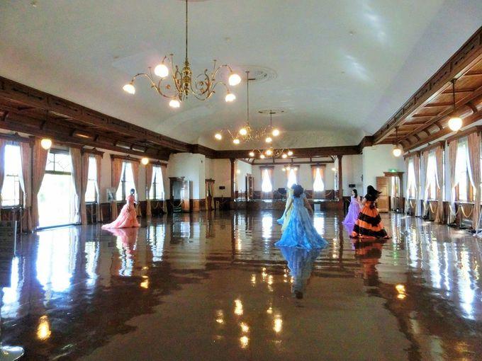 素敵なドレスで明治時代へタイムスリップ「旧函館区公会堂」