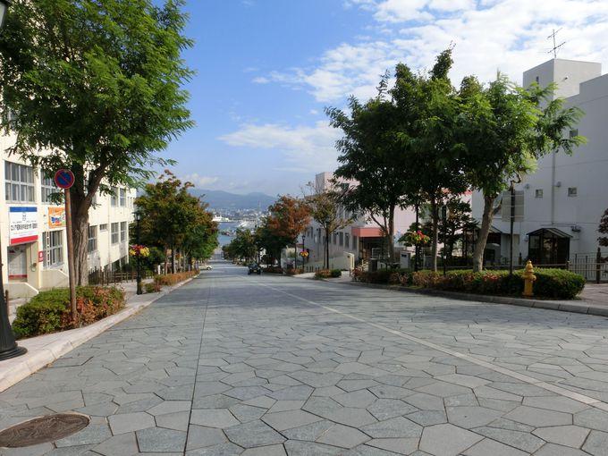 観光で訪れたい坂の名所ベスト1の「八幡坂」