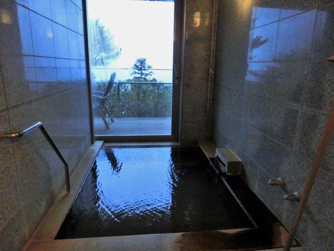 半露天風呂になる源泉掛け流し温泉