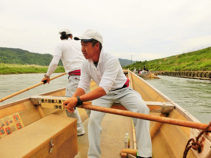 船頭さんの技が光る「保津川下り」
