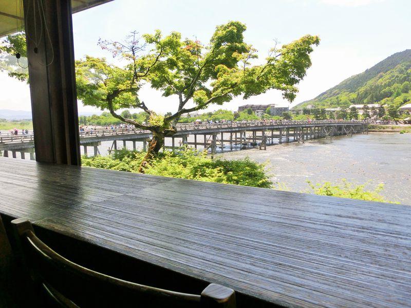 渡月橋が目の前!並んでも食べたい蕎麦「嵐山よしむら」