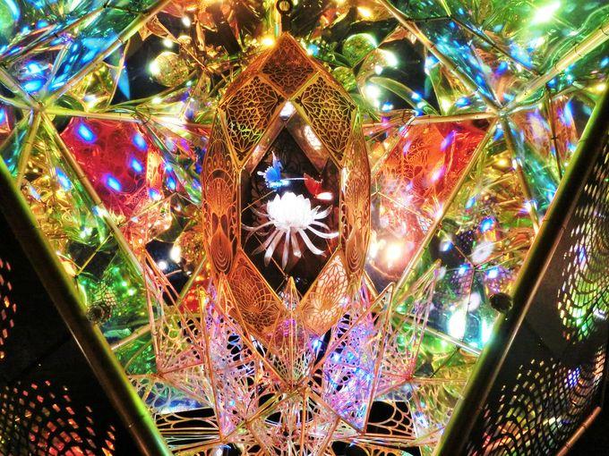 光と反射の空間