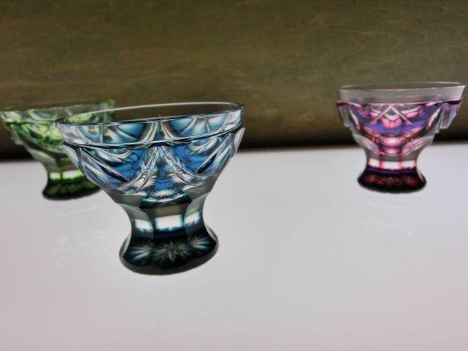 ひかりが当たると輝きも変わるガラスたち