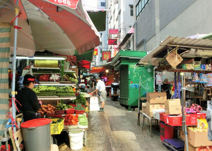 嘉咸街で香港の日常を感じる