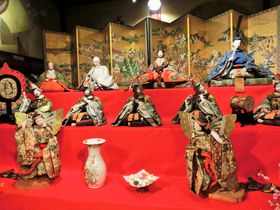 ホテル雅叙園東京に1000点ものお雛様が集結「百段雛まつり2019」