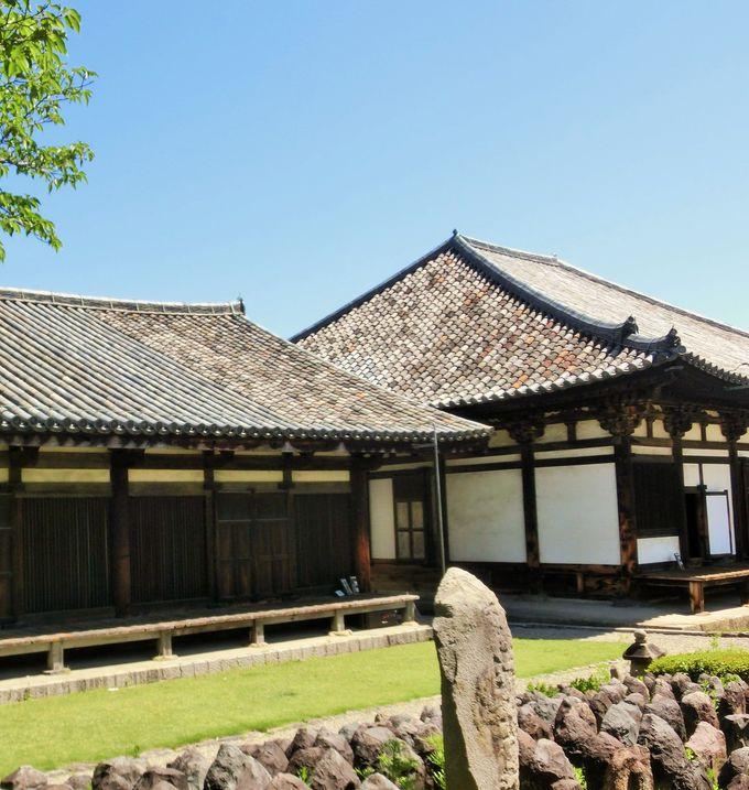 日本最古の瓦を見ることができる